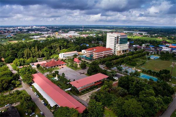 加拉信皇家大学,海内外教育,泰国大学