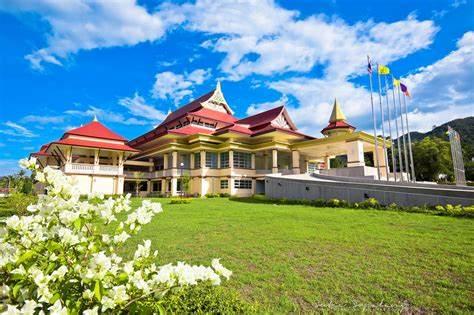 那空是塔玛拉皇家大学,泰国大学,中泰教育联盟