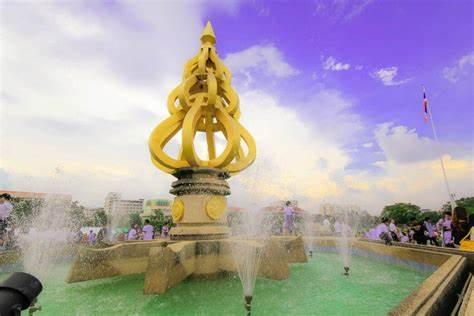 塔亚武里皇家理工大学,泰国大学,海内外教育