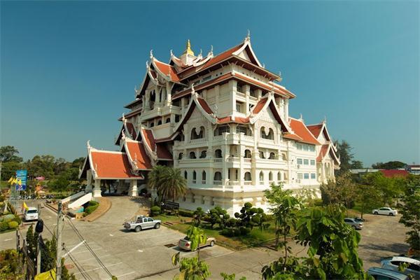 泰国乌汶叻差他尼皇家大学,泰国大学,海内外教育