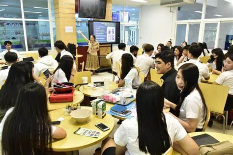 泰国留学择校,专业和院校该先考虑哪个?