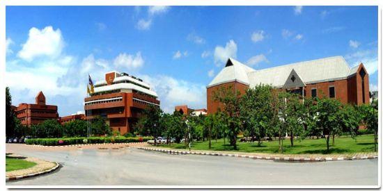 泰国华侨崇圣大学(Huachiew Chalermprakiet University)